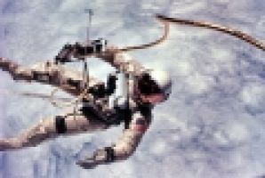 Astronaut_Edward_White_first_American_spacewalk_Gemini_4.jpg