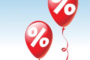 twee rode ballonnen met een procentteken in