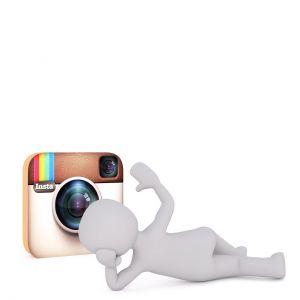 Wit figuurtje ligt neer voor het logo van Instagram