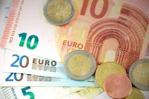 geld: 10 euro, 20 euro, munstukken