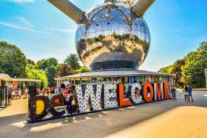 Onderste bol van het Atomium met be.WELCOME