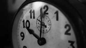 Horloge met aanduiding 10 uur