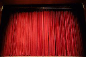 gesloten theatergordijn