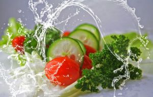 groenten: tomaat, komkommer, selder