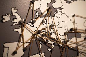 Kaart Europa met verbindingen tussen de landen