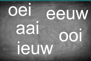 schoolbord met oei, aai, ooi, eeuw, ieuw
