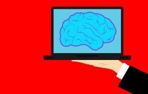 laptop met afbeelding van hersenen