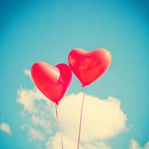 twee hartenballonnetjes