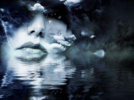 Mysterieus vrouwengezicht op het water