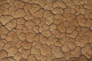 uitgedroogde woestijnbodem