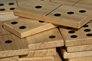 houten dominostenen