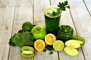 smoothy met gezonde groenten en fruit