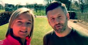 Screenshot video met de twee instructeurs