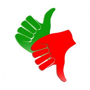 groen duim omhoog, rode duim omlaag