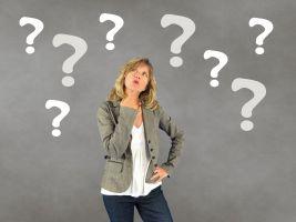 vraagtekens rond een persoon