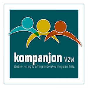 logo kompanjon, drie mannetjes in verschillende kleuren