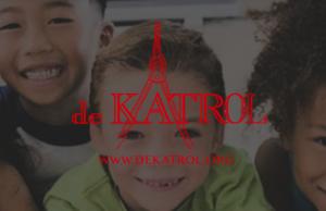 3 jongetjes en logo van de katrol