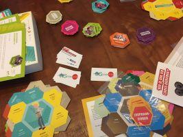 het spel Netwerk (verschillend kaarten en personages)