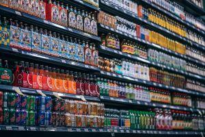 rekken in supermarkt