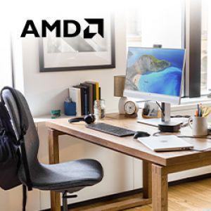 AMD logo en bureaustoel en bureau met o.a. pc