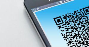 smartphone qr-code