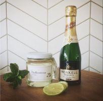 foto van ingrediënten voor cocktail Hugo