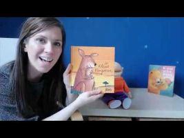 Screenshot juf Jessica en Jules met het boek 'Kleine Kangoeroe'