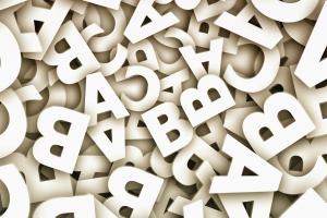 witte letters van het alfabet