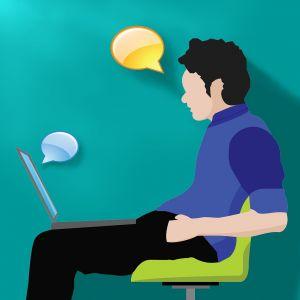 persoon in stoel aan het videochatten