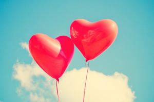 2 ballonnen in de vorm van een hart