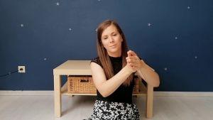 Screenshot uit de video met juf Jessica