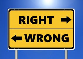 arrows in opposite directions with right and wrong