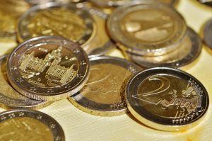 Enkele euromunten van €2