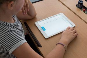 leerling met een tablet