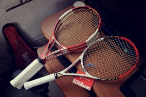 twee tennisrackets