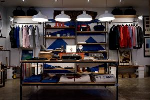kleding in winkel