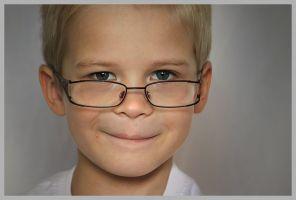 jongen met bril