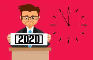 mannetje bij een klok, hij houdt 2020 vast