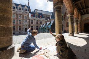 Kinderen ontdekken hedendaagse kunst in Brugge