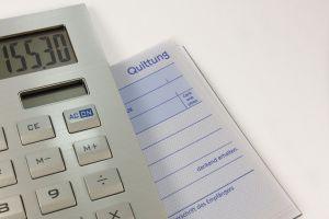 afbeelding van een rekenmachine op een document