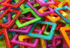 gekleurde vierkantjes op een hoop