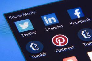 scherm met picto's van sociale media apps