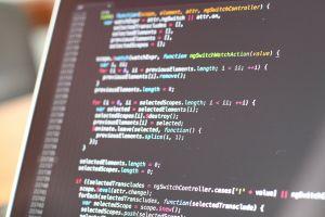 Scherm met weergave van code