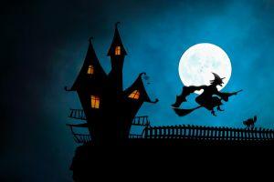 heks op bezem en spookhuis
