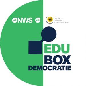 Groen en wit cirkelvormig logo van EDUbox Democratie