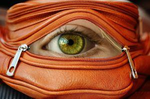 oog in een zakje