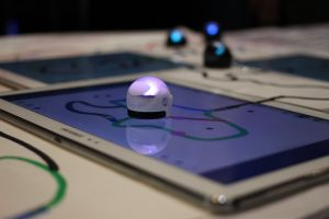 Tablet met Ozobot