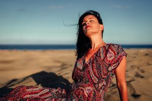 Vrouw op het strand