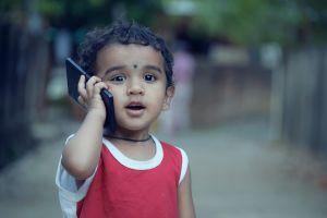 Kind met smartphone