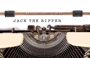 Typmachine met op het blad Jack The Ripper getypt